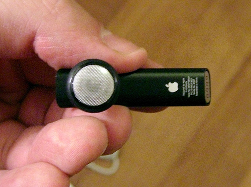 auricolare-bluetooth-apple.jpg