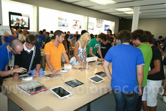 apple-store-via-rizzoli-bologna-inaugurazione-171