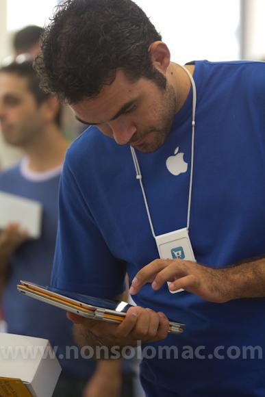 apple-store-via-rizzoli-bologna-inaugurazione-231