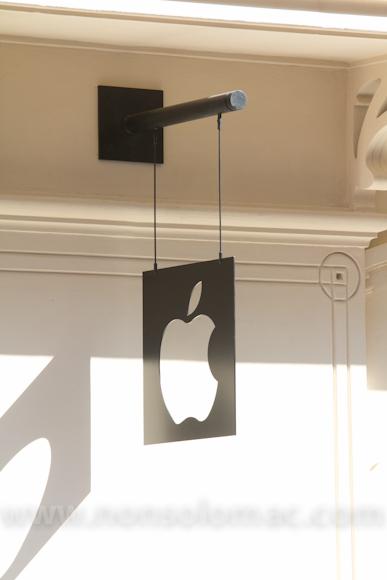 apple-store-via-rizzoli-bologna-inaugurazione-240