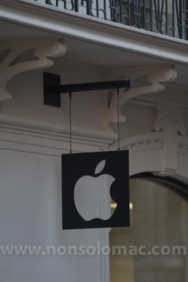 apple-store-via-rizzoli-bologna-inaugurazione-4