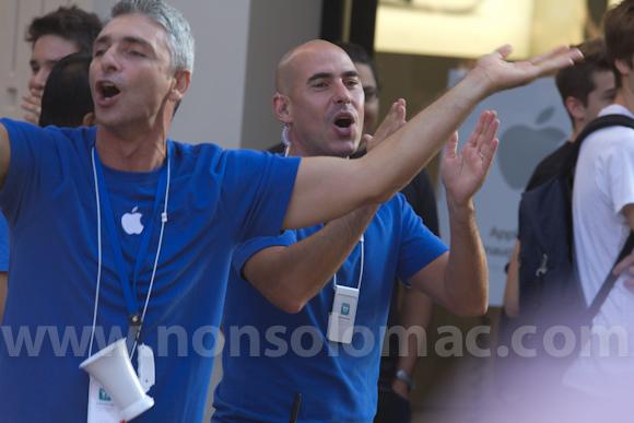 apple-store-via-rizzoli-bologna-inaugurazione-62