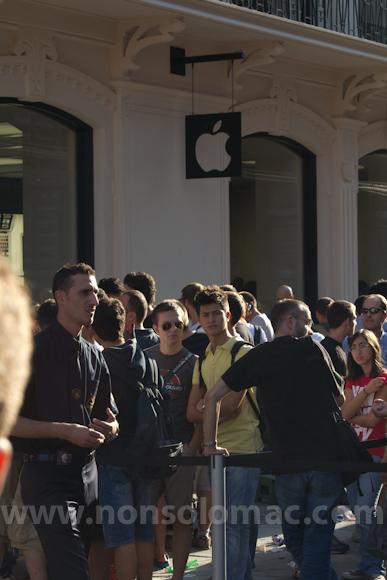 apple-store-via-rizzoli-bologna-inaugurazione-72