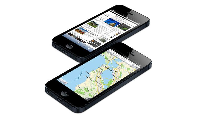 iphone-5-nero-affiancati-sfalsati