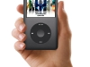 ipod-classic-late-2009-black-in-mano