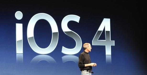 iOS 4 - Steve Jobs durante il keynote