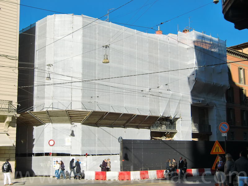 Apple Store Bologna - Il cantiere del palazzo in ristrutturazione