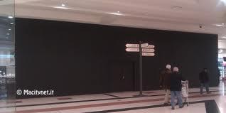 Apple Store Fiordaliso di Ronnano (MI) - Pannellature nere
