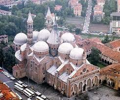 Padova - Cattetrale di Sant'Antonio, veduta aerea