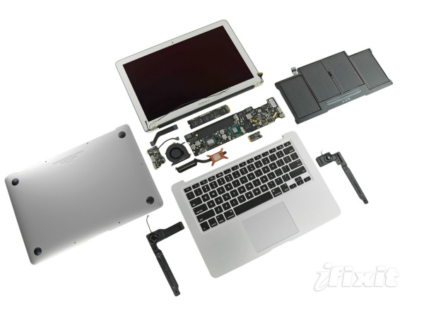 MacBook Air Mid 2011 - Teardown - Smontaggio by iFixit - Guida