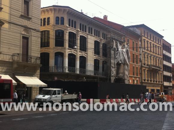 Apple Store Bologna - La facciata a lavori quasi ultimati