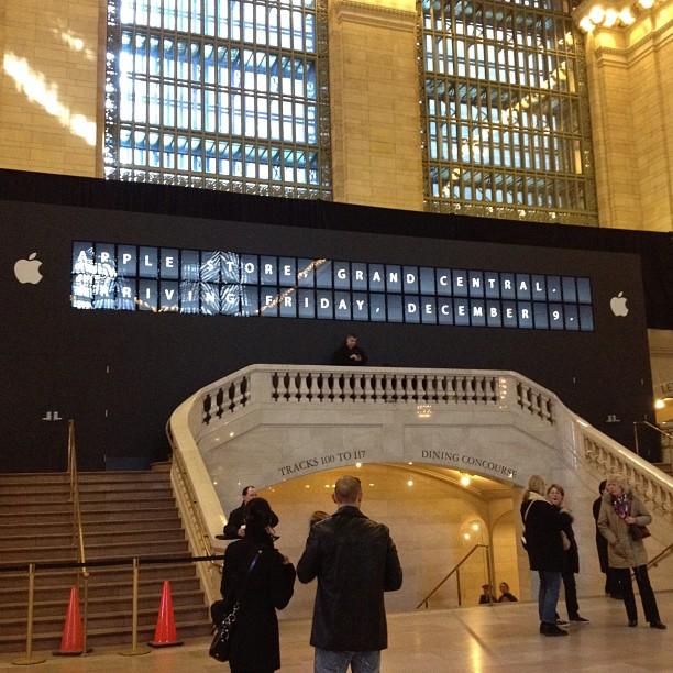 Apple Store Grand Central - New York - Inaugurazione 9 dicembre 2011