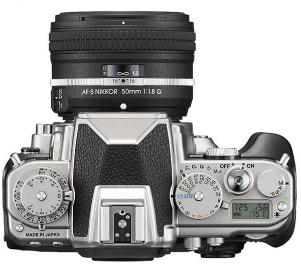 Nikon Df vista da sopra