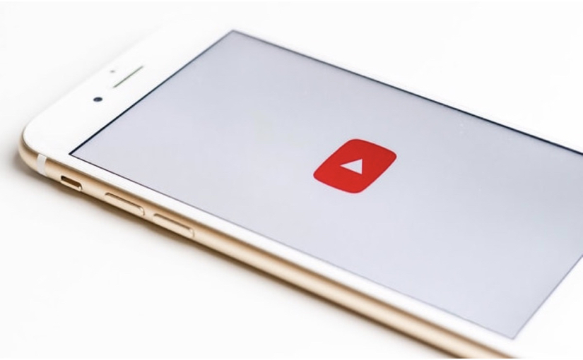 YouTube, ascoltare l'audio in background sull'iPhone