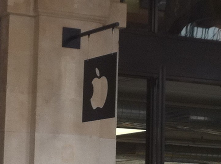 apple-store-covent-garden-23-insegna.jpg
