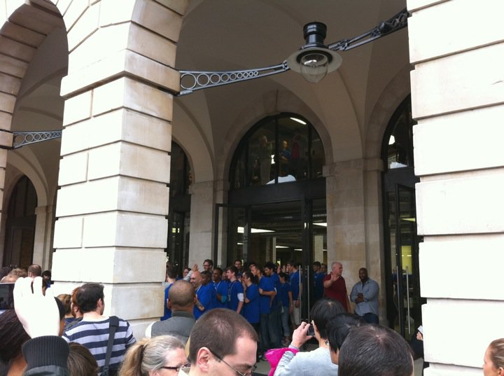 apple-store-covent-garden-5.jpg