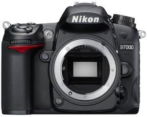 Nikon D7000, erede della D90